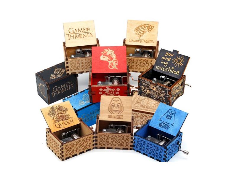 Custom 18 note hand crank wood music box